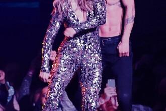 Incident jenant cu Jennifer Lopez pe scena, din cauza tinutei stramte. Ce s-a intamplat cand a inceput sa danseze
