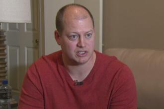 Barbat arestat dupa ce a fost acuzat ca i-a furat telefonul fiicei sale. Decizia luata de judecatorul de caz