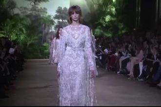 Giorgio Armani si Elie Saab au prezentat noile colectii la Saptamana Modei de la Paris. Tinutele purtate de modele