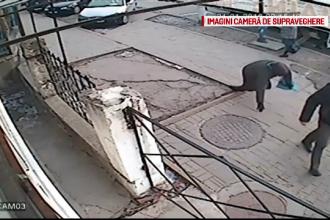 Bordura ramasa in mijlocul trotuarului, capcana pentru trecatori, in Botosani. Imagini amuzante surprinse de camere