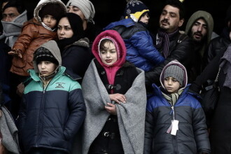 Suedia va expulza pana la 80.000 de solicitanti de azil respinsi. A primit mai multi migranti decat Germania in 2015