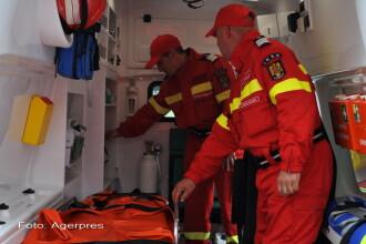 Grav accident de munca in Mehedinti. Un muncitor a murit si alti doi sunt raniti dupa ce un mal de pamant s-a surpat peste ei