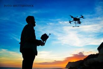 iLikeIT. Dronele vor fi folosite in curand la misiuni de salvare, dar si la curse de roboti. Modul in care vor fi pilotate
