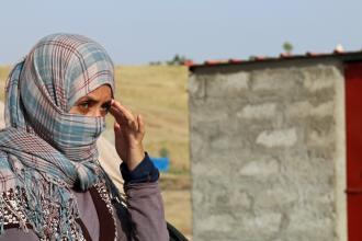 Statul Islamic scoate sclave sexuale la vanzare pe Facebook:
