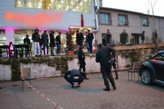 Atac armat la un restaurant din Istanbul. Doi oameni au fost raniti. VIDEO