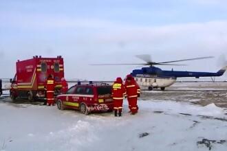Situatiile limita cu care s-au confruntat echipajele medicale pentru a ajunge la pacientii din zonele izolate de zapada