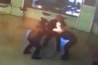 Momente terifiante intr-o instanta din China. O femeie a fost incendiata imediat dupa ce a semnat actele de divort. VIDEO