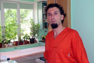 Victor Bot, medicul care a abuzat o fetita de 13 ani, a fost condamnat la inchisoare cu executare. Decizia nu este definitiva