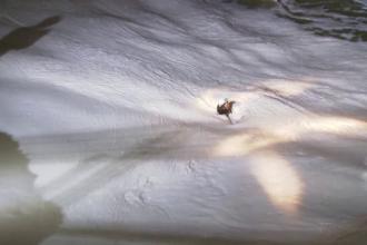 Imagini uluitoare in SUA. Doua femei care se plimbau pe faleza, luate de ape in timpul furtunii