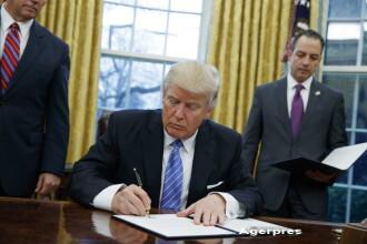 Donald Trump va restrictiona accesul imigrantilor din sapte tari. Primele masuri cu privire la zidul de la frontiera cu Mexic