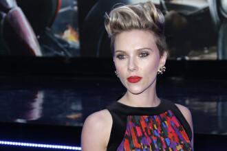 Scarlett Johansson este din nou singura. Vedeta de 32 de ani a divortat in secret de cel de-al doilea sot, Romain Dauriac