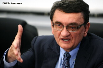 Liberalii cer revocarea lui Victor Ciorbea din funcţia de Avocat al Poporului