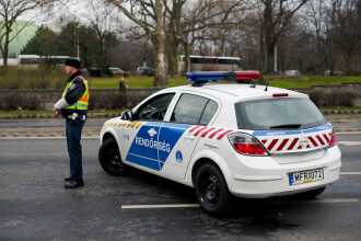 Un autocar cu români s-a răsturnat în Ungaria. Şoferul ar fi adormit la volan