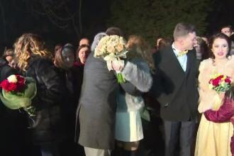 15 cupluri și-au unit destinele în noaptea de Revelion, sub Poarta Sărutului