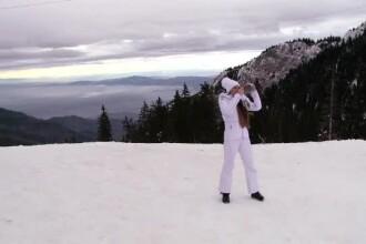 Vacanța s-a terminat, dar turiștii n-au plecat de la munte: ninsoare și live-uri pe Facebook