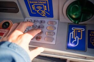 Români arestați în Londra, după ce au aruncat în aer un bancomat