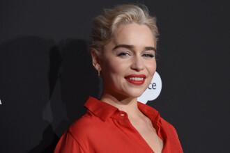 """Brad Pitt a oferit 120.000 de $ pentru a urmări un episod din """"Game of Thrones"""" împreună cu Emilia Clarke"""