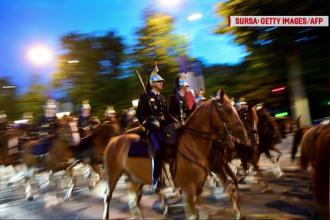 Președintele francez Emmanuel Macron i-a dăruit omologului său chinez un cal