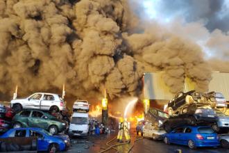 Incendiu violent izbucnit în apropierea aeroportului din Dublin. VIDEO