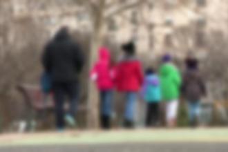 Copil de 9 ani, violat în repetate rânduri de o rudă, într-un sat din Dâmboviţa
