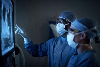 Chirurgul care și-a gravat inițialele, cu laserul, pe ficații pacienților a scăpat de închisoare