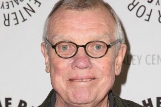 Regizorul Hugh Wilson, creatorul seriei