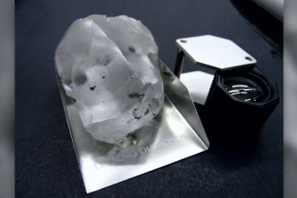 Diamant de 910 carate, găsit într-o mină din Lesotho