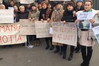 """Proteste în diaspora. """"Din Milano în România, jos Guvernul şi hoţia!"""" VIDEO"""