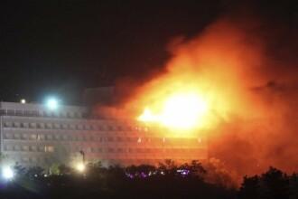 Teroriștii au luat cu asalt un hotel important din Kabul. VIDEO