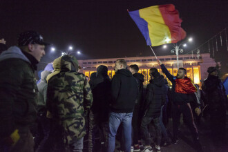 Peste 1000 de persoane au protestat în București și în alte orașe. O nouă manifestație, anunțată pentru duminică