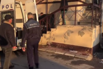 Șase bărbați au fost reținuți, după ce s-au bătut în plină stradă de la o femeie