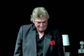 Florin Piersic și-a sărbătorit ziua de naștere pe scenă. Actorul a împlinit 82 de ani