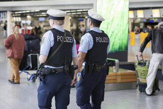 Român arestat în Germania pentru tentativă de omor. Ipostaza în care a fost prins într-o toaletă publică