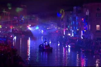 Carnavalul de la Veneția: Mii de oameni au admirat spectacolul nocturn