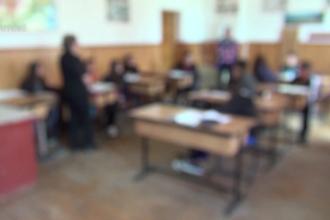 """Un elev și-a atacat profesorul în Dâmboviţa. Poliția a intervenit. """"E scăpat de sub control"""""""