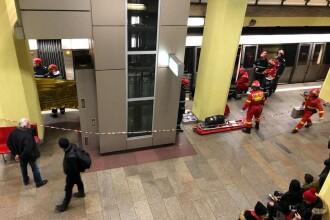Un tânăr de 19 ani s-a aruncat în fața metroului, în stația Costin Georgian