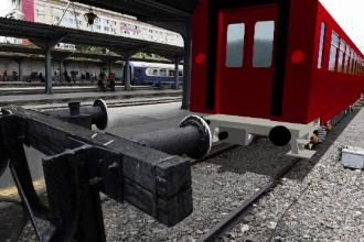 ANIMAȚIE GRAFICĂ. Cum a deraiat trenul privat în Gara de Nord din Capitală