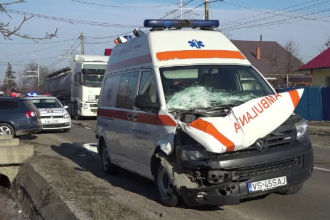 Reacția unui șofer de camion-școală când a auzit o ambulanță. Era chiar la examen