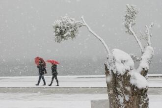 Val de frig în Grecia, cu temperaturi de până la -18 grade. Trei persoane au murit