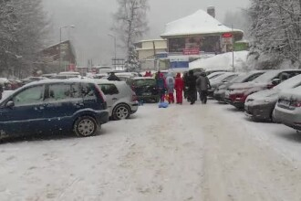 """Cozi uriașe de mașini între stațiunile de la munte: """"Cea mai mare parcare, DN1"""""""