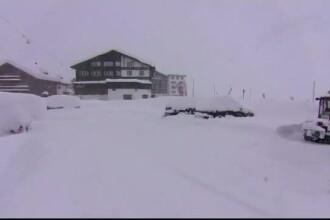 Mii de turiști blocați în stațiuni montane din Austria din cauza riscului de avalanșe
