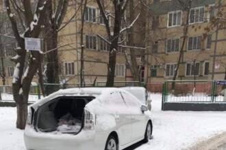 Un bărbat din capitală s-a trezit că hoții i-au furat ușa de la portbagaj. FOTO