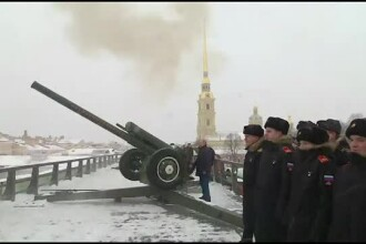 Momentul în care Putin a tras cu tunul la Sankt Petersburg.