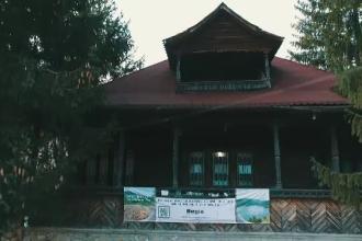 Muzeu unic în țară, în paragină, cu toaleta în curte. Primăria nu permite să fie salvat