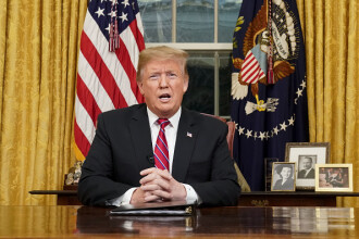 NYT: Un român, fost şofer al familiei Trump, închis de 8 luni în SUA. Riscă deportarea