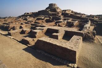 Mormântul unui cuplu misterios dă bătăi de cap arheologilor. Ce secrete ascunde