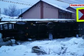 O bătrână din Gorj s-a trezit cu casa distrusă de un TIR. Cum de a fost posibil