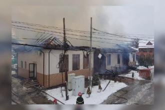 Primărie din Vrancea, cuprinsă de incendiu. Documentele și aparatura, distruse de foc