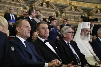 """Ce spun analiștii despre discursurile lui Tusk și Juncker, la Ateneu: """"Campanie de șarm"""""""
