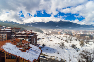 Avalanşă într-una dintre cele mai populare staţiuni din Bulgaria. Sunt doi morţi